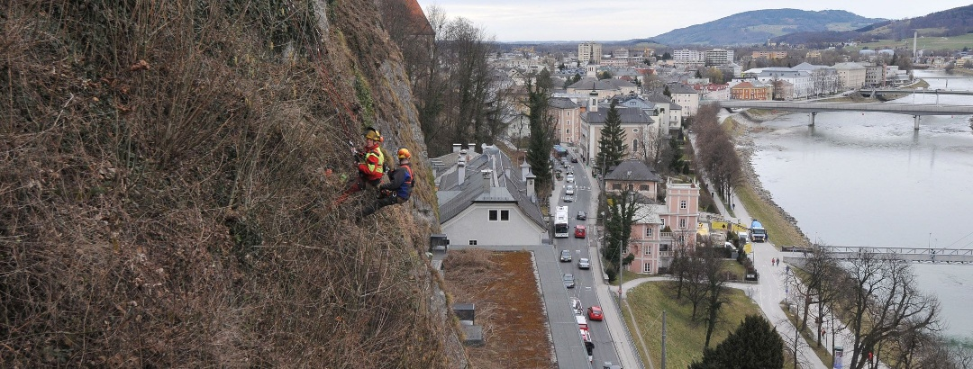 Mountain cleaners at work