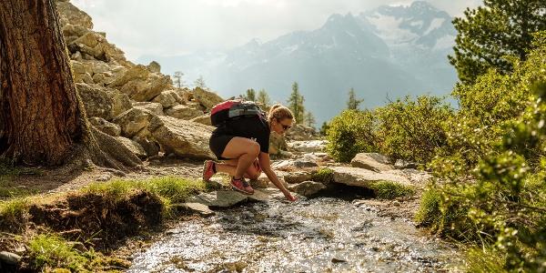 Le son de la nature sous la forme d'un ruisseau impétueux.