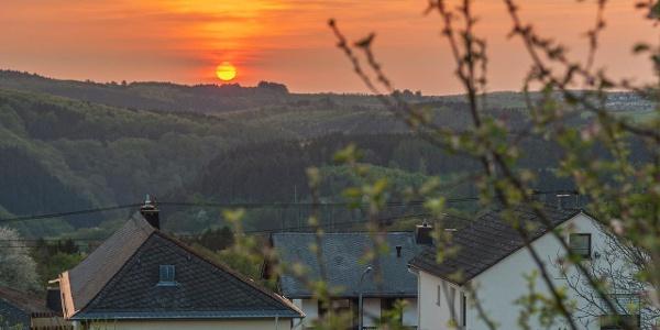 Sonnenuntergang über dem Sayntal