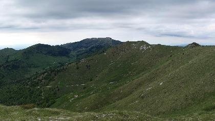 """La """"cavalcata"""" della dorsale dei Monti Salaroli."""