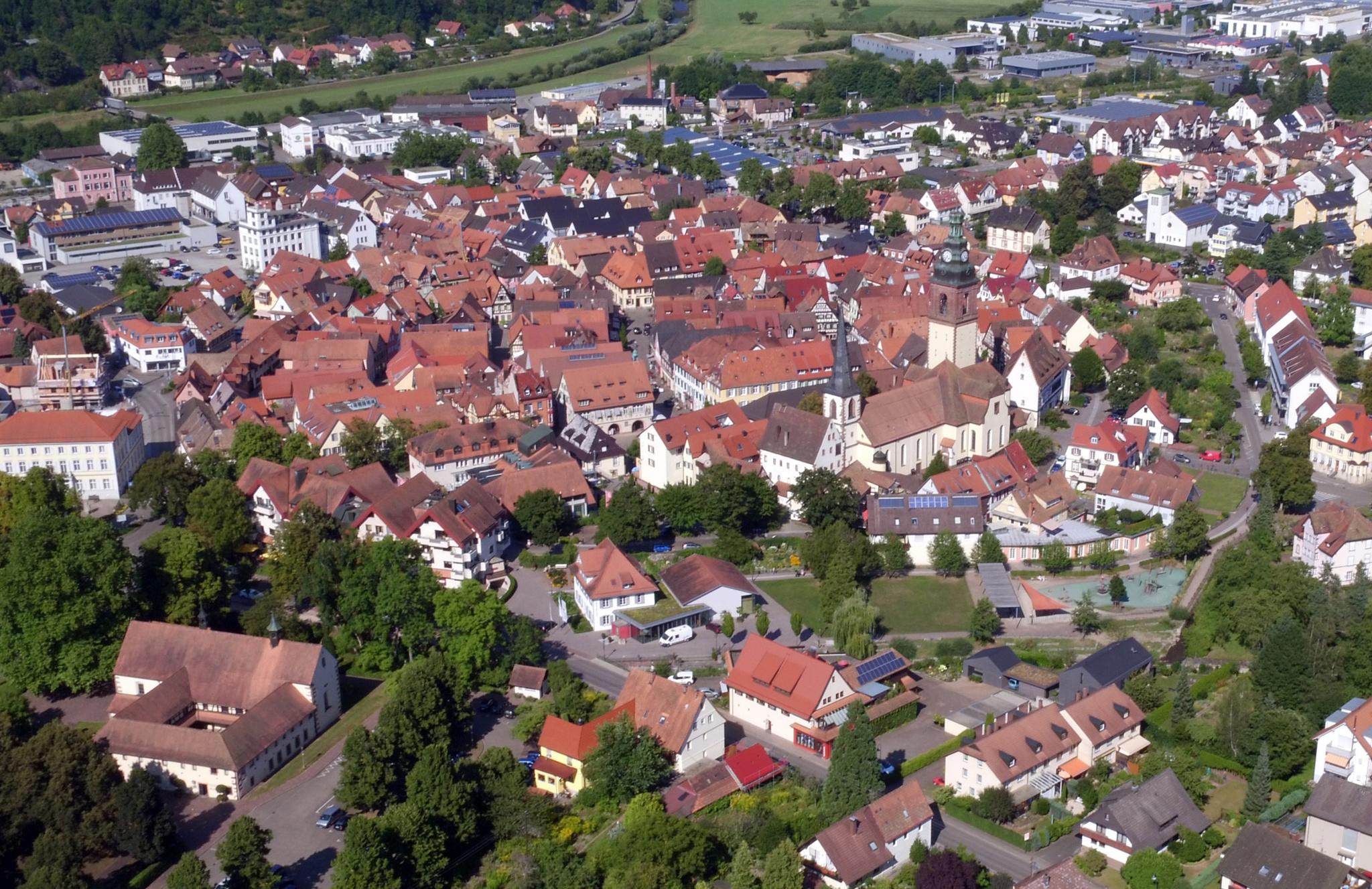 Luftaufnahme mit Blick auf die Historische Altstadt
