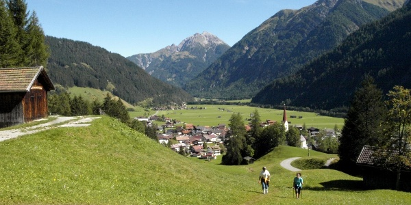 Descent from the suspension bridge to Holzgau