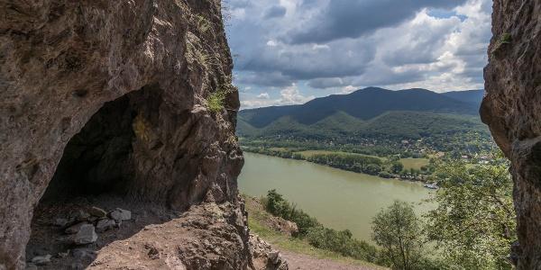 A Remete-barlang egyik ürege