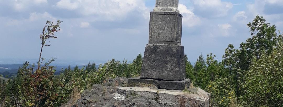 Gipfelkreuz auf dem Sattelberg
