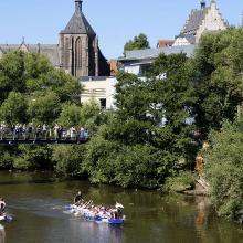 Drachenbootrennen auf der Lahn in Marburg