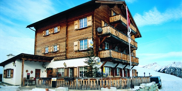 Gasthaus Post, Obermutten Winter