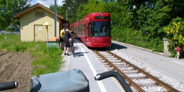 Die Igler Bahn verwendet man als Aufstiegshilfe bis Lansersee oder Igls.