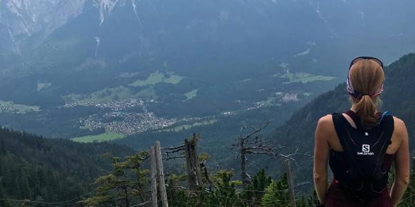 Aussicht auf Garmisch und die Zugspitze