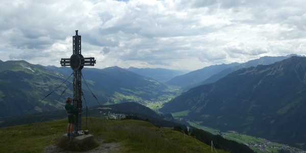 Gipfel erreicht - der Plattenkogel - mit traumhaften Blick ins Salzachtal