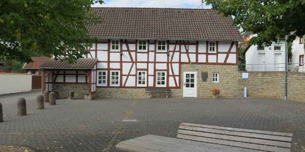 Gemeindehaus am Dorfplatz in Antweiler