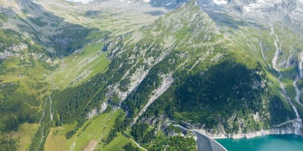 Plattkopf über der Staumauer - Zillerkopf und Schönachschneid am Horizont