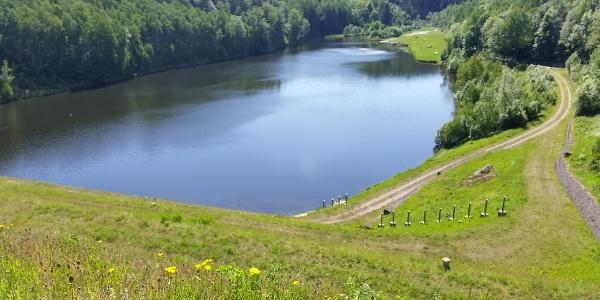 Rückhaltebecken See Lauenstein am George Bähr Rundwanderweg