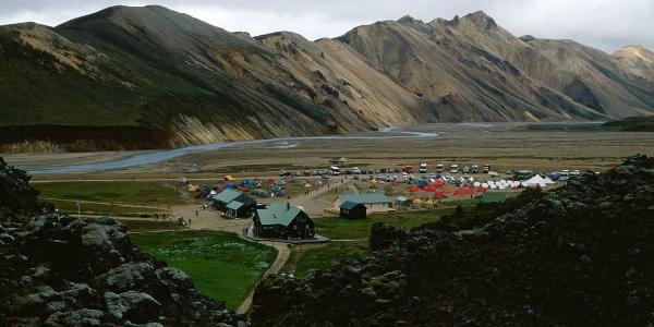 Campingplatz und Hütte von Landmannalaugar