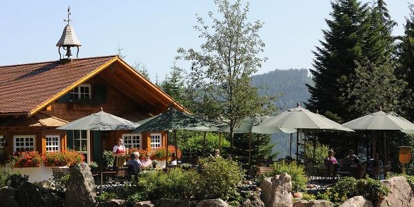 Die Satteleihütte mit Terrasse