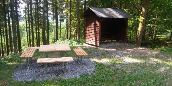 Schutzhütte und Vesperinsel Lichtenhardt
