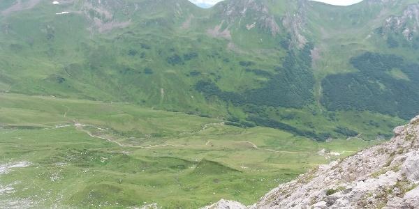 Blick von oben auf Prättigauer Höhenweg 72.