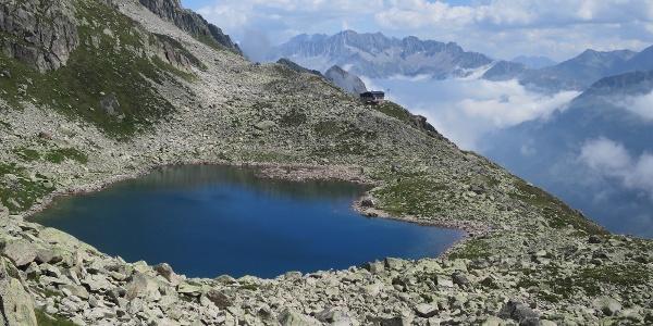 Der Bergsee ladet zum Baden...