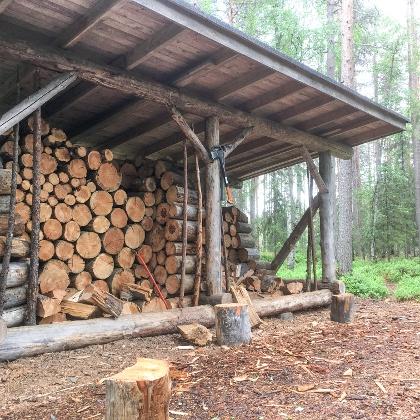 Firefood storage in Ansakämppä open wilderness hut, Oulanka National Park