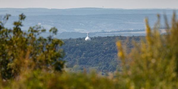 Die Stupa von Zalaszántó aus der Burg Tátika