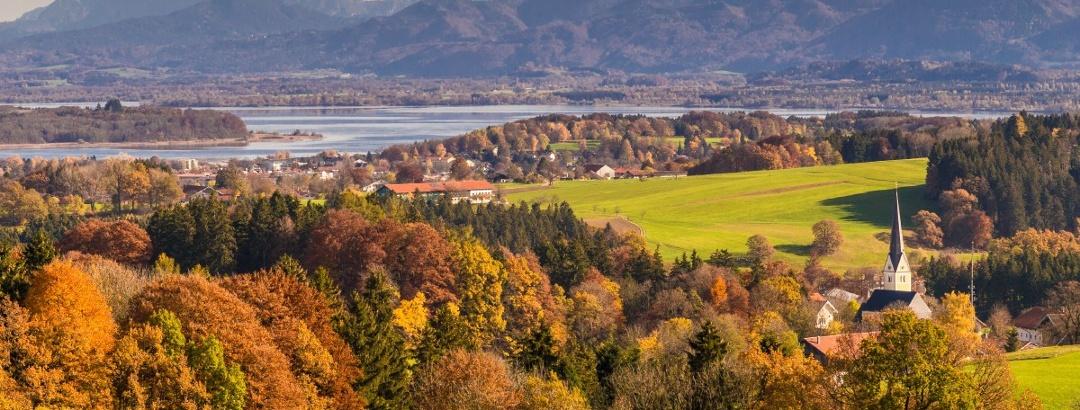 Herbstlicher Blick ins Chiemsee-Alpenland