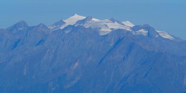 Blick vom Gipfel zur Venedigergruppe