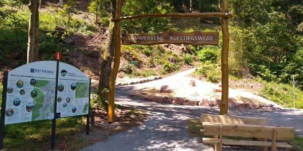 Eingangsportal Aufstiegswege Sommerberg