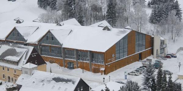 """Eishalle """"Gründelstadion"""" Geising im Winter"""
