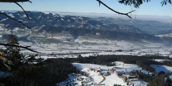 Herrliches Winterpanorma von der First auf den Napf und das Jura