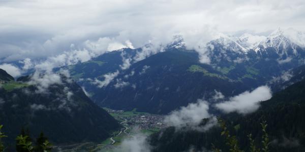 Aufstieg zur Gamshütte, Blick hinunter ins Zillertal, Mayerhofen