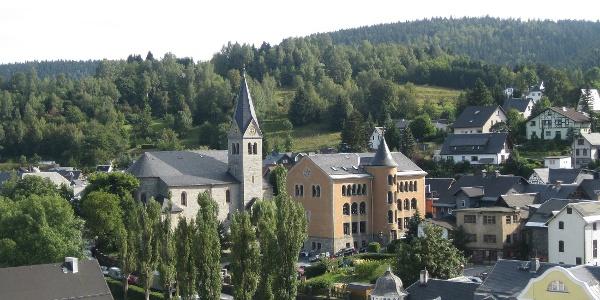Steinach | Blick auf Kirche und Schule