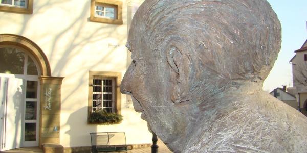 Brackenheim - Heuss-Statue