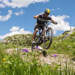 Mit dem Mountainbike unterwegs am Formarinsee