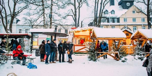 Händler auf dem Neujahrsmarkt