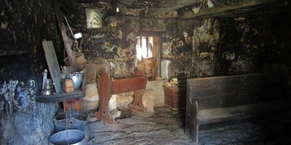 Black kitchen in the village of Robidišče