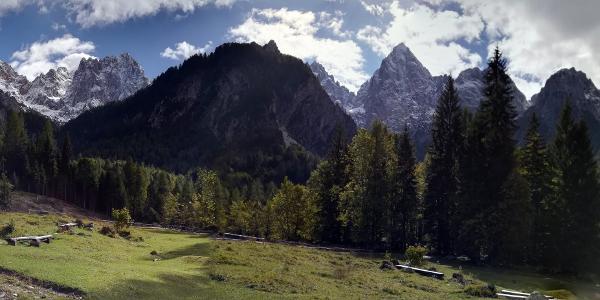 ...Špik 2472..impozantan vrh Julijskih Alpa...