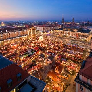 Der Altmarkt Dresden zur Weihnachtszeit