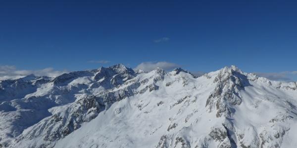Panoramica dalla Cima Serodoli sul Gruppo e la Cima Presanella