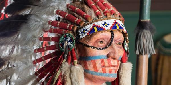 Karl-May-Museum, Indianer mit Federhaube
