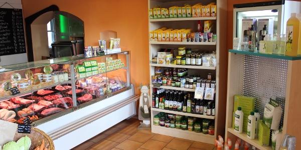 Verkaufsraum im Hofladen Großzöbern
