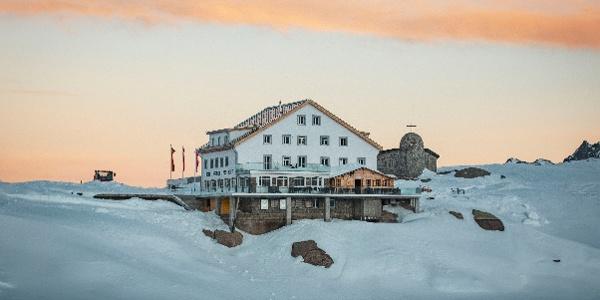 Hotel Grimsel Passhöhe, Grimsel pass