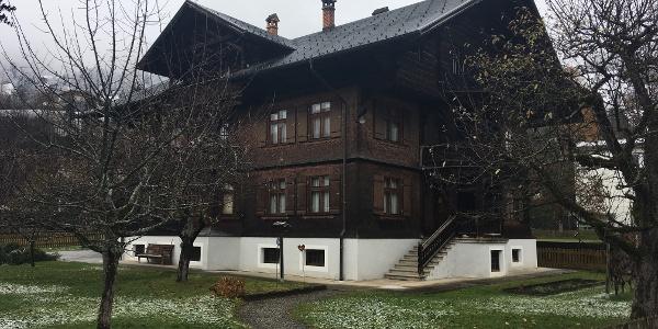 Pfarrhof Wohnhaus, Kirchplatz 4