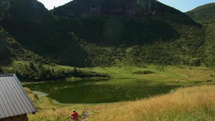 Lago Mignolo Basso 1990 m, M. Pozzarotonale 2215 m