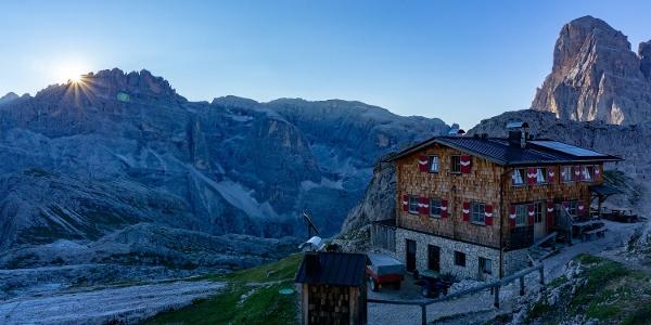 Sonnenaufgang Büllelejochhütte