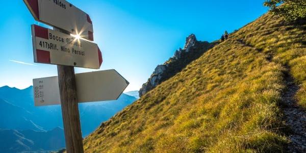 Auf dem Weg dem Kamm entlang zwischen Garda- und Ledrosee