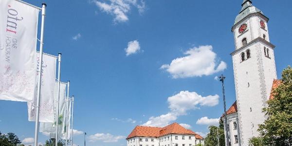 Kloster Maria Rosengarten mit der Stadtkirche St. Verena und der Bad Wurzach Info mit Moor Extrem