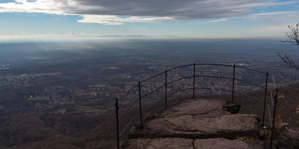 Zsongor-kő (szemben a Papuk lánca)