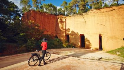 Radfahrer vor der Bruoux-Mine