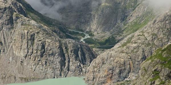 Die Hängebrücke - gesehen von unterhalb der Trifthütte