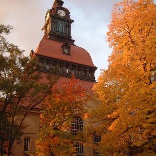 Kirche Moritzburg im Herbst