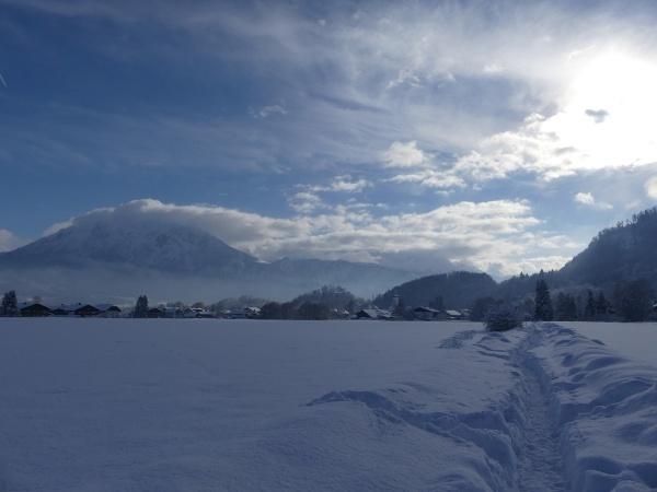 Laurentiusrundweg mit Blick auf Oberaudorf und Kaisergebirge